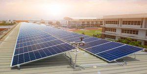 ระบบ Solarcell แบบ Ongrid ใช้แผงโซล่าเซลแบบ Poly Canadian Solar กริดอินเวอร์เตอร์ SMA ติดตั้งบนหลังคาอาคารโรงเรียน