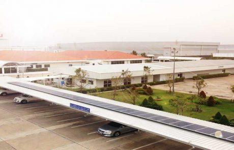 ระบบ Solarcell แบบ Ongrid ใช้แผงโซล่าเซลแบบ Poly SHARP Solar กริดอินเวอร์เตอร์ Leonics ติดตั้งบนหลังคา